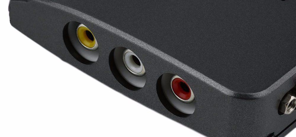 RCA выходы на боковой панели приставки для монитора